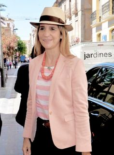 ready4royalty:  Infanta Elena traveled to Murcia as the director of the Proyectos Sociales y Culturales of the Fundación Mapfre, May 2015