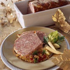 Terrine+de+sanglier+à+l'ancienne Charcuterie Recipes, Buffet, Foie Gras, French Food, Prosciutto, Bon Appetit, Entrees, Steak, Good Food