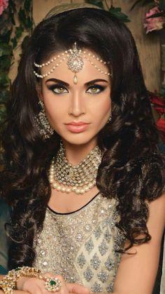Asian Bridal Makeup Artist London - Indian Bridal Hair and Makeup Indian Bridal Makeup, Asian Bridal, Bridal Hair And Makeup, Bridal Beauty, Beauty And Fashion, Sari, Bridal Looks, Woman Face, Indian Beauty