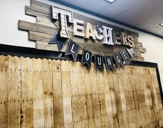 Teacher's Lounge Makeover – Office lounge