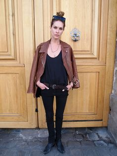 Erin Wasson posa para The street style hunter, en el barrio de Le Marais, en París. http://thestreetstylehunter.blogspot.fr/2013_04_15_archive.html
