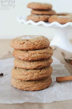 Soft & Chewy Gingersnaps Use slightly less cloves. Chewy Ginger Cookies, Ginger Snap Cookies, Yummy Cookies, Low Calorie Desserts, Bite Size Desserts, Holiday Baking, Christmas Baking, Christmas Recipes, Christmas Cookies