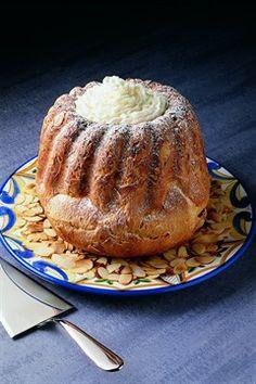 Larousse Cuisine - Kouglof aux amandes