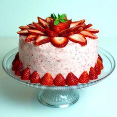 Fresh Strawberry Cake | Cake Design and Decoration Ideas