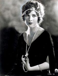 ↢ Bygone Beauties ↣ vintage photograph of Jobyna Ralston