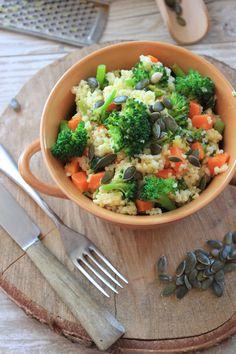 Kasza jaglana z brokułem i marchewką | Tysia Gotuje blog kulinarny Broccoli, Good Food, Healthy Recipes, Healthy Food, Menu, Vegetarian, Tasty, Dinner, Vegetables
