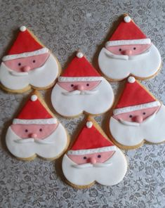 100 Christmas Cookies Decorations That Are Almost Too Pretty To Be Eaten - Hike n Dip Here are the best Christmas Cookies decorations ideas for your inspiration. These Christmas Sugar Cookies decorated with royal icing are cutest desserts. Cute Christmas Cookies, Christmas Biscuits, Christmas Cupcakes, Christmas Sweets, Christmas Baking, Christmas Fun, Christmas Recipes, Christmas Fashion, Holiday Recipes