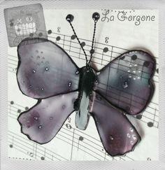 Papillon translucide mauve gris et points argentés. Recyclage par la Gorgone. : Autres art par la-gorgone