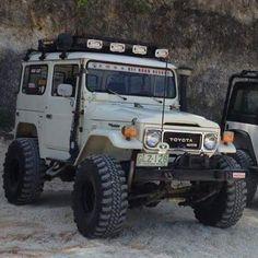 Fj40 - https://www.pinterest.com/dapoirier/4x4-and-trucks/