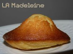 Intense Madeleines (by Claire Heitzer) - The delights of Capu - Easy And Healthy Recipes Easy Cake Recipes, Dessert Recipes, Pastry Recipes, Cooking Recipes, Chefs, Patisserie Cake, Decoration Patisserie, Desserts With Biscuits, Cake Factory