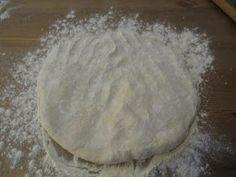ΜΑΓΕΙΡΙΚΗ ΚΑΙ ΣΥΝΤΑΓΕΣ: Τυρόπιτα παραδοσιακή Σκοπέλου !!! Bread, Food, Eten, Bakeries, Meals, Breads, Diet