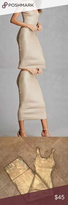 NWT Hera Collection Gold Dress Size S Body con silhouette Length 47 inches Hera Collection Dresses Midi
