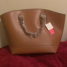 JF Martin Purse Large , Roomy tan bag with adjustable straps. JustFab Bags Totes