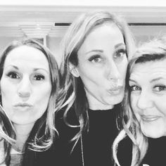 Hanging with my besties. I'm so excited for the rest of the week. We're in VEGAS baby. 6 and 7 figure summit, hanging with the best of the best, finding inspiration, and loving on my besties. #networkmarketing #network #networkmarketingpro #lovemybiz #travelingtheworld www.hayleyhobson.com