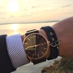 Best Sellers Sunset o'clock with our Rose Gold x Brown Leather Men's Watch. Best Watches For Men, Luxury Watches For Men, Cool Watches, La Mode Masculine, Swiss Army Watches, Mens Watches Leather, Beautiful Watches, Elegant Watches, Casual Watches