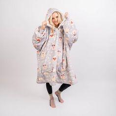 Manta Polar, Polaroid, Comfy Blankets, Wearable Blanket, Hooded Blanket, Exercise For Kids, Burgundy Color, Look Fashion, Fashion Ideas