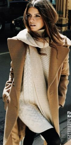 Outfit: fall fashion to winter fashion: fisherman knit sweater, camel coat, skinny jeans, via Looks Street Style, Looks Style, Style Me, Winter Looks, Winter Style, Autumn Style, Fall Chic, Chic Chic, Casual Chic