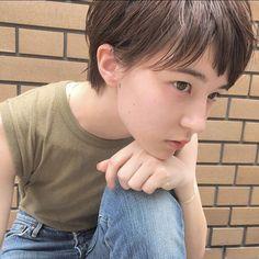 ショートヘアスタイル  Laji シースルーバング 外国人風 ラフ 透明感 黒髪