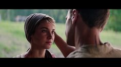 TOBIAS SEEING TRIS's HAIR FOR THE FIRST TIME!! Her hair was supposed to be to her chin, but shai still looks cute