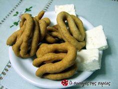 Τραγανές λωρίδες από ζύμη που μπορεί να βρει κανείς καθ' όλη τη διάρκεια του έτους σε όλους τους φούρνους στην Μεσσηνία. Άκρως εθιστικά.