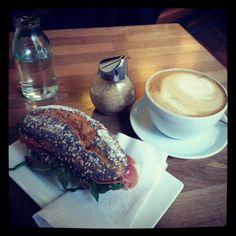 Breakfast @ Peaberries Hamburg