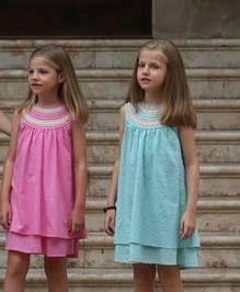 Vestidos confeccionados en Plumeti de algodón. En nuestra tienda online http://www.centrotela.es/ os ofrecemos una gran variedad en tejido de plumeti.