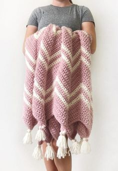 The best way to stay warm but fashionable is to get a chevron crochet blanket. A chevron crochet blanket is a timeless graphic pattern that is consist. Chevron Crochet Blanket Pattern, Chevron Baby Blankets, Baby Blanket Crochet, Crochet Baby, Pink Blanket, Baby Chevron, Modern Crochet Blanket, Easy Crochet, Free Crochet