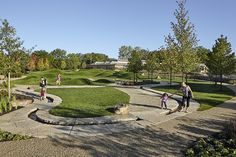 The water feature runnel at the children's nature play garden, Regenstein Learning Campus, Chicago Botanic Garden. Concept by Mikyoung Kim Design and developed by Jacobs/Ryan Associates. Contemporary Landscape, Landscape Design, Site Art, Architecture Foundation, Chicago Botanic Garden, Architectural Services, Natural Playground, Garden Architecture, Public Garden