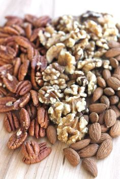 Eat nuts for more balanced blood sugar