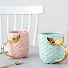 Seas The Day Mermaid Gold Tail Mug - Luxurious coffee mug for mermaids. Shaped like mermaid& scales which makes it extra cute. What better way to start the day than with coffee or t. Cute Coffee Mugs, Cool Mugs, Coffee Coffee, Coffee Time, Coffee Cups, Drinking Coffee, Tea Mugs, Coffee Break, Morning Coffee