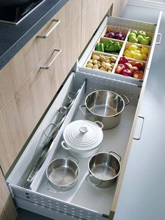 Produce storage in kitchen drawers Home Decor Kitchen, Interior Design Kitchen, Diy Kitchen, Kitchen Storage, Kitchen Dining, Drawer Storage, Kitchen Drawers, Kitchen Ideas, Ikea Drawers