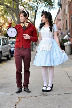 The White Rabbit and Alice - Couples Halloween costume. - can't wait to do couples Halloween stuff! Disney Couple Costumes, Diy Couples Costumes, Creative Costumes, Disney Couples, Cute Costumes, Couple Halloween Costumes, Costume Ideas, Halloween Couples, Zombie Costumes