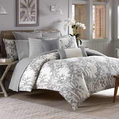 #TommyBahama Laguna Ridge Duvet Set. #tropical #coastal #bed #bedding #bedroom #beddingstyle