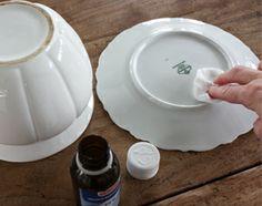Knutsel zelf een originele houder voor de wc borstel in elkaar van kringloop servies voor het - Decoratie schilderij wc ...