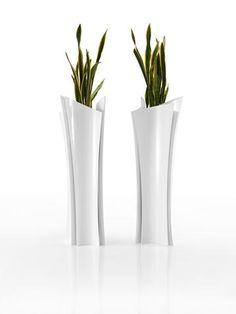adn y eva jarrn alto by vondom diseo teresa sapey escultura pinterest gardens vase and the oujays
