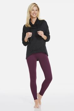 Get ready to jet in our to-and-from pullover, built with pockets and a high-low hem to keep your assets covered. Make sure your bottom half can pick up the pace in our favorite Salar Leggings. | Rock Rose outfit- Fabletics