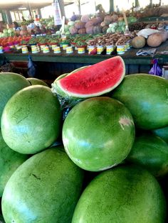 Alessandra Zecchini: Produce Market in Nadi, Fiji, and a few tips for Veg* travelers