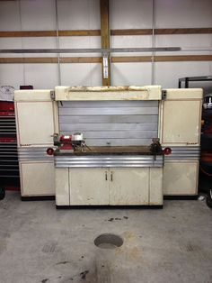40's Graco Workbench. Would love to restore one of these for the shop.