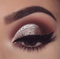Eye Makeup For Blue Eyes Blonde Hair round Eye Makeup Remover Cloths even How To Make Sparkly Eyeshadow Stick Sparkly Eye Makeup, Prom Makeup For Brown Eyes, Prom Eye Makeup, Pageant Makeup, Silver Eye Makeup, Neutral Eye Makeup, Sparkly Eyeshadow, Night Makeup, Simple Eye Makeup