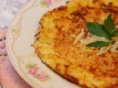 Omleta cu cartofi este un mic dejun perfect preferat atat de copii cat si de adulti, este o mancare delicioasa. Cum se prepara Omleta cu cartofi: Mai intai