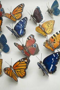 Dieser Red Admiral Schmetterling erzielt worden mit Altmetall einschließlich Bits der Schubkarre, Nägel, Schrauben, Fahrradkette, griffen erneut bar und Haar. Es war dann mit Ölfarben gemalt. Es hat eine Spannweite von 6 und steht 4. Die, die auf der Fotos verkauft haben aber ich kann sie zu bestellen. Das letzte Foto ist eine Auswahl von einigen der Schmetterlinge, die ich gemacht habe, die in anderen Auflistungen verfügbar sind. Dazu gehören: Kleiner Fuchs Monarch Blaue Adonis Peacock H...