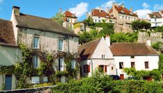 Top 10 des plus beaux villages de France - photo 1 - Katarinochka - iStockphoto Burgundy France, Destinations, Visit Egypt, Beaux Villages, Belle Villa, Visit France, Live