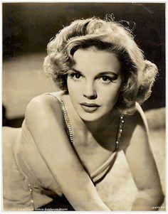 Judy Garland, beautiful photo of a young Judy Garland