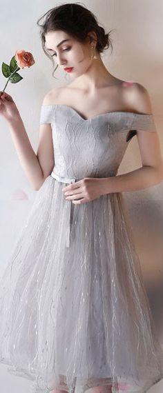 sexy robe de soirée grise épaule dénudée Wedding Dresses, Fashion, Sexy Evening Dress, Sweet Dress, Elegant Dresses, Dress Ideas, Fashion Ideas, Bride Dresses, Moda