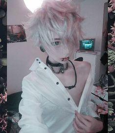 Neko 😽 🌸 Weekend was so boring (ಠ~ಠ)/ I'm always so sleepy (/0. Pastel Goth Fashion, Kawaii Fashion, Pastel Goth Makeup, Neko, Cute Emo Guys, Estilo Harajuku, Alternative Hair, Aesthetic People, Scene Hair