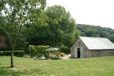 Orchard Vean (1367)  holiday cottage http://www.classic.co.uk/holiday-cottage/desc-1367.html  A detached cottage for two with accommodation all on one level. — at 3.6 miles S of Truro, Cornwall.