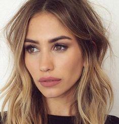 That lip color // makeup // eyeliner // eyeshadow // eyes // green // blue // brown // black // eyelashes // brushes // eyebrows // color // contour // highlight // shade // matte // shimmer // smokey