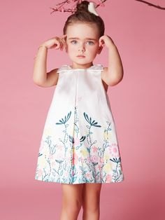Delicate Flower Printed Bowknot on Shoulders A-line Dress for Kids Girls. Simple Design with Delicate Printing Makes This Dress More Stylish. Frocks For Girls, Dresses Kids Girl, Cute Girl Outfits, Kids Outfits, Stylish Kids Fashion, Toddler Fashion, Young Fashion, Girl Fashion, Fashion Dress Up Games
