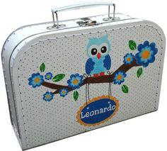 Koffertje beschilderd nav een geboortekaartje