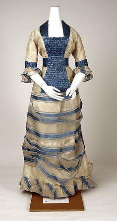 Dress Date: 1880 Culture: Swiss Medium: silk, pineapple fiber Metropolitan Museum of Art Accession Number: 1880s Fashion, Victorian Fashion, Vintage Fashion, Victorian Era, Antique Clothing, Historical Clothing, Historical Dress, Vintage Gowns, Vintage Outfits